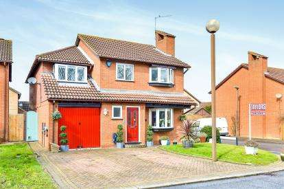 5 Bedrooms Detached House for sale in Orne Gardens, Bolbeck Park, Milton Keynes, Bucks