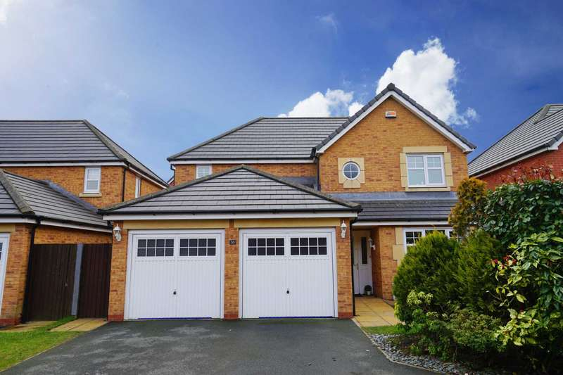 4 Bedrooms Detached House for sale in Coppice Close, Lostock