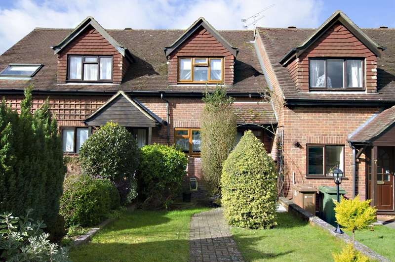 2 Bedrooms Terraced House for sale in Windgates, Merrow, GU4