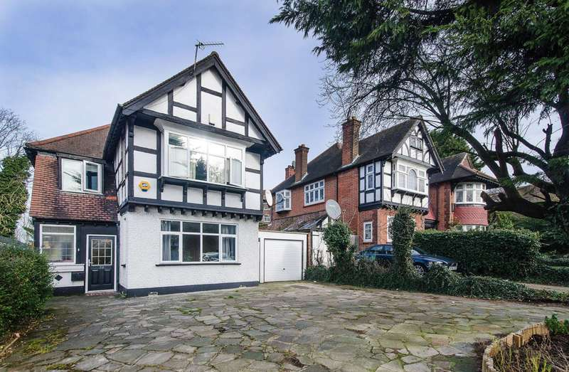 4 Bedrooms House for sale in Princes Court, Wembley, HA9