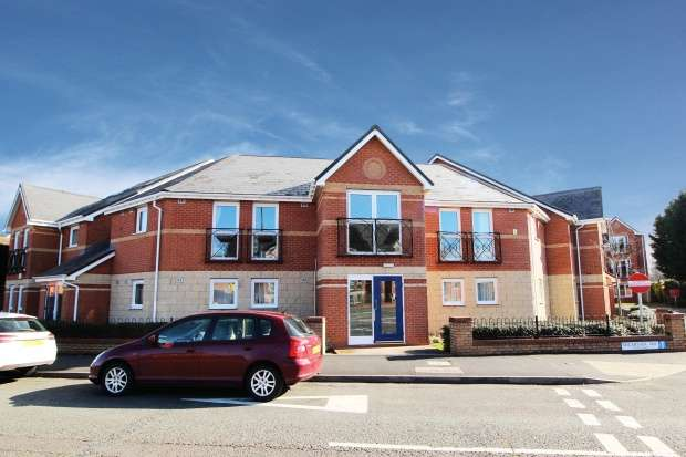 1 Bedroom Flat for sale in Goddard House, Stourport-On-Severn, Worcestershire, DY13 8AQ