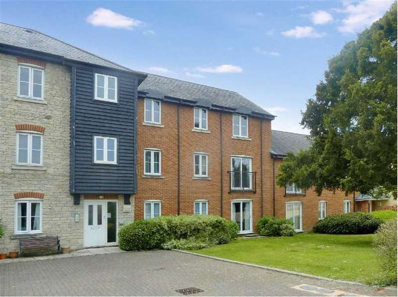2 Bedrooms Apartment Flat for rent in Ely Court, Wroughton