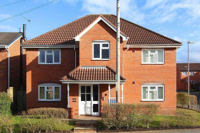 1 Bedroom Apartment Flat for rent in WOMBOURNE. Common Road/Cygnet Court