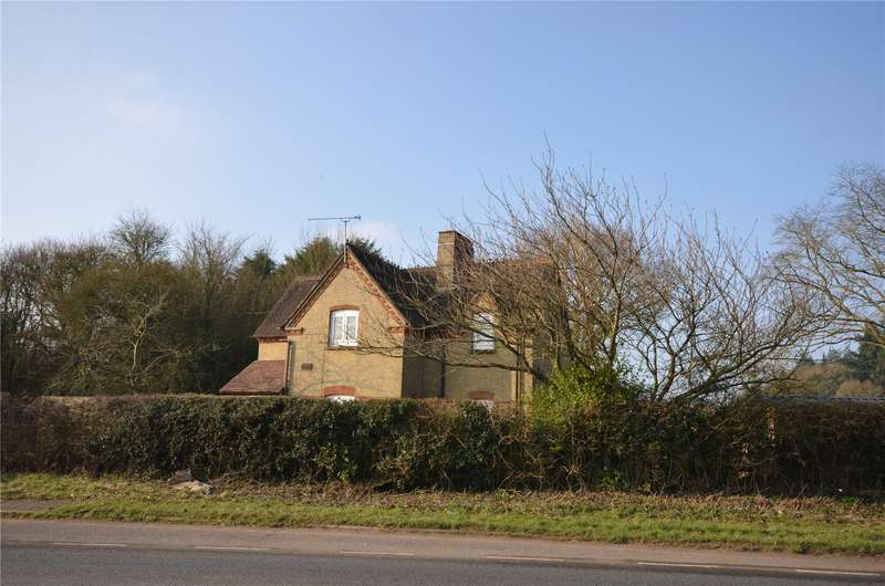 3 Bedrooms Detached House for sale in Southampton Road, Landford, Salisbury, Wiltshire, SP5