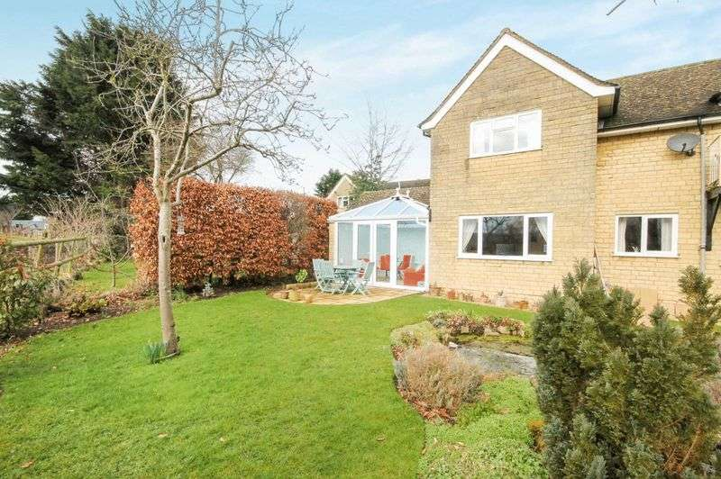 2 Bedrooms Property for sale in Manor Close, Cassington
