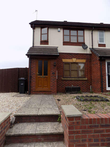 2 Bedrooms End Of Terrace House for rent in Park Road, HALESOWEN, B63
