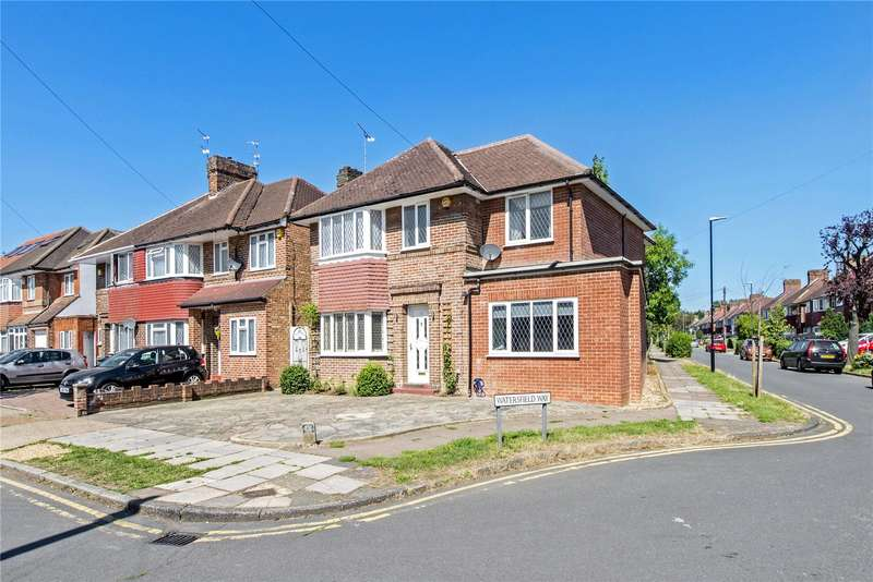 5 Bedrooms Detached House for sale in Watersfield Way, Edgware, HA8