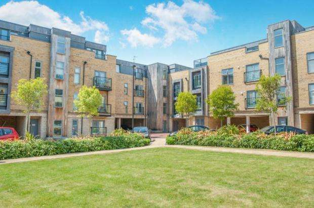 2 Bedrooms Penthouse Flat for rent in Church Street, Maidstone, Kent, ME14 1FG