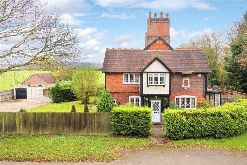 3 Bedrooms Unique Property for sale in Brook End, Weston Turville, Aylesbury, Buckinghamshire