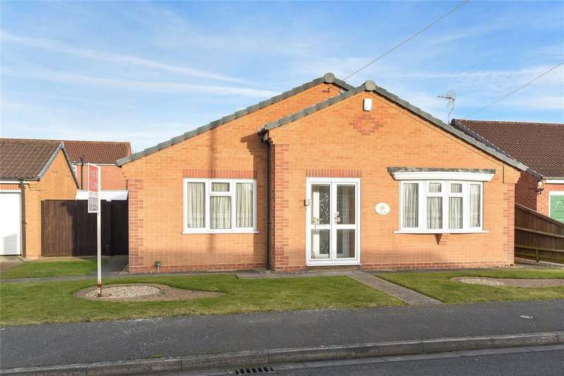 3 Bedrooms Detached Bungalow for sale in Cedar Drive, Holbeach, PE12