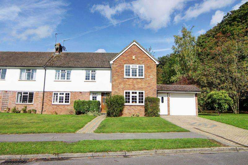 4 Bedrooms Semi Detached House for sale in Claymoor Park Private Estate, Marlow SL7