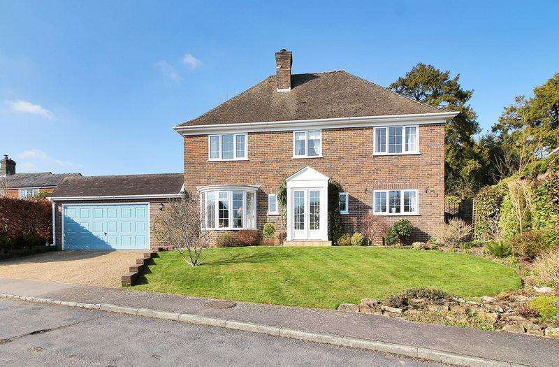 4 Bedrooms Detached House for sale in Whincroft Park, Crowborough, East Sussex