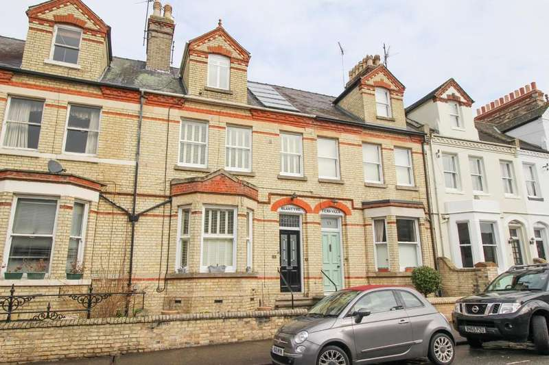 4 Bedrooms Terraced House for sale in Rous Road, Newmarket