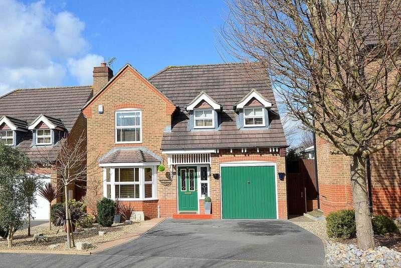 4 Bedrooms Detached House for sale in Casterbridge Road, Ferndown