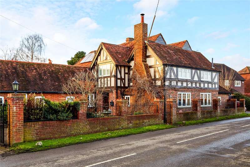 5 Bedrooms Detached House for sale in Laddingford, Maidstone, Kent, ME18