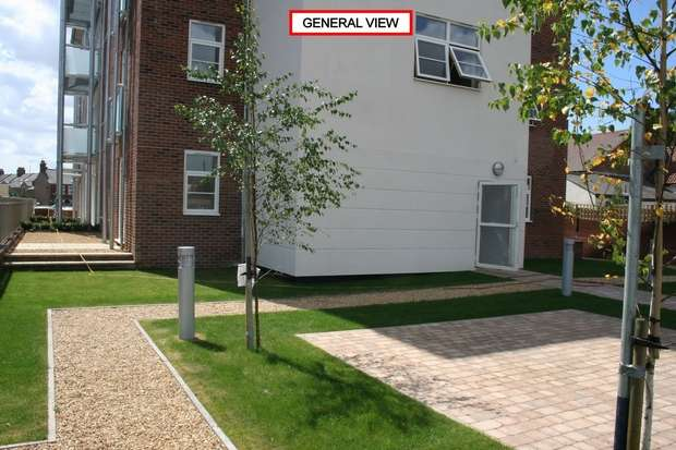 2 Bedrooms Flat for rent in Flat 13, Regis House, King's Lynn