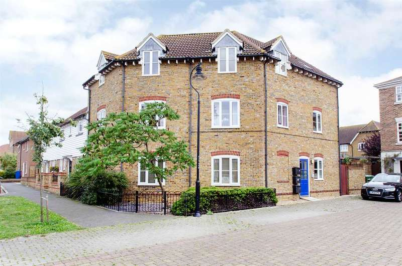 2 Bedrooms Apartment Flat for sale in Colson Drive, Iwade, Sittingbourne