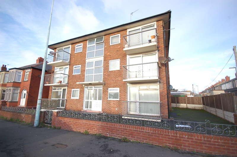 1 Bedroom Flat for sale in Grasmere Road, Blackpool