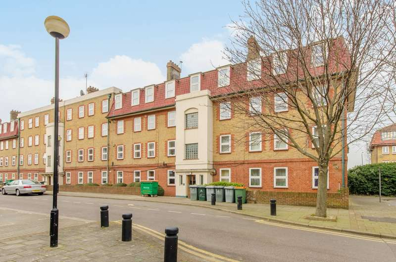 3 Bedrooms Flat for rent in Germander Way, West Ham, E15