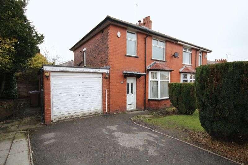 3 Bedrooms Property for sale in Norwich Avenue Bamford, Rochdale