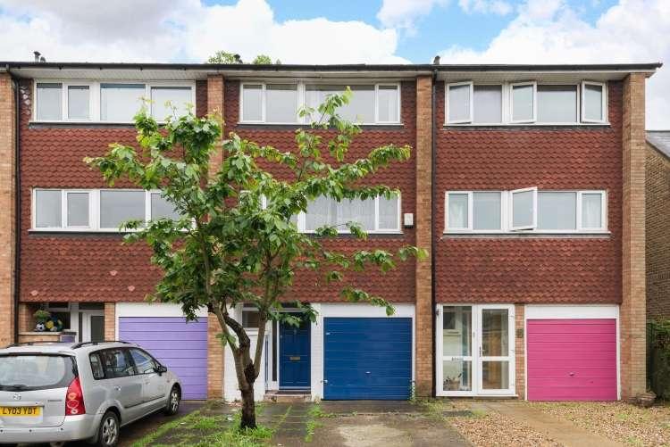 3 Bedrooms Terraced House for sale in Hamlea Close Lee SE12