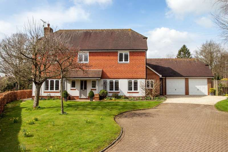 4 Bedrooms Detached House for sale in Stoke Row, Henley-on-Thames, RG9