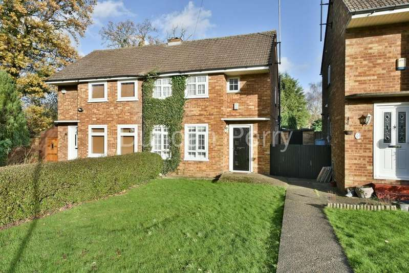 3 Bedrooms Semi Detached House for sale in Brookside , South Mimms
