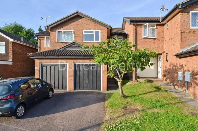 3 Bedrooms Semi Detached House for sale in St Vincents Way, Potters Bar, Herts
