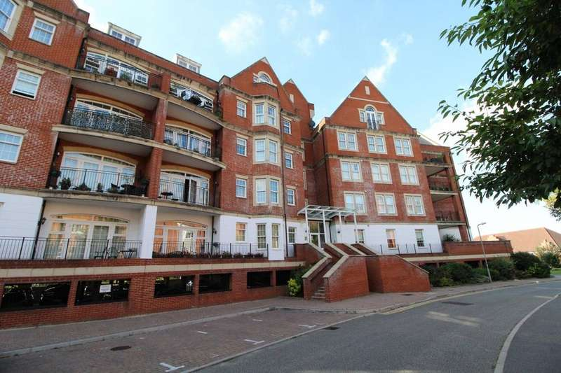 2 Bedrooms Apartment Flat for sale in Fisher Court, Rhapsody Crescent, Great Warley, Brentwood, Essex, CM14