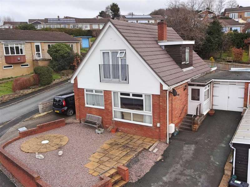 4 Bedrooms Detached Bungalow for sale in 27, Churchill Drive, Newtown, Powys, SY16