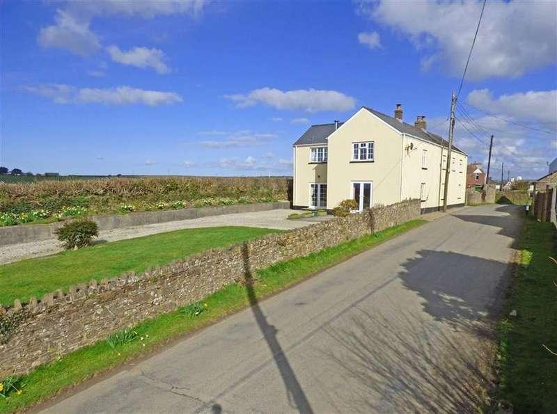 4 Bedrooms Detached House for sale in Eastleigh, Bideford, Devon, EX39