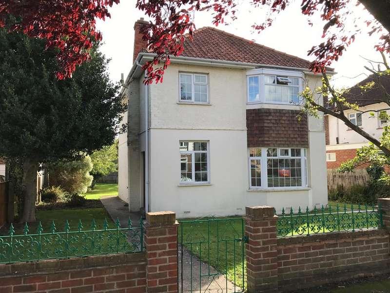 4 Bedrooms Detached House for rent in Vectis Road, Alverstoke, Gosport PO12