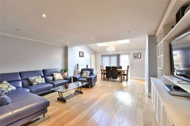 4 Bedrooms Detached House for sale in Blinco Lane, George Green, Buckinghamshire