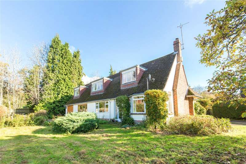 5 Bedrooms Detached House for sale in The Drive, Maresfield Park, Maresfield, East Sussex, TN22