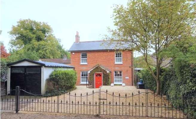 4 Bedrooms Detached House for sale in Water Lane, Bisley, Woking, Surrey, GU24