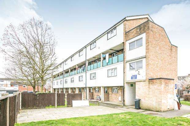 2 Bedrooms Maisonette Flat for sale in Woking, Surrey