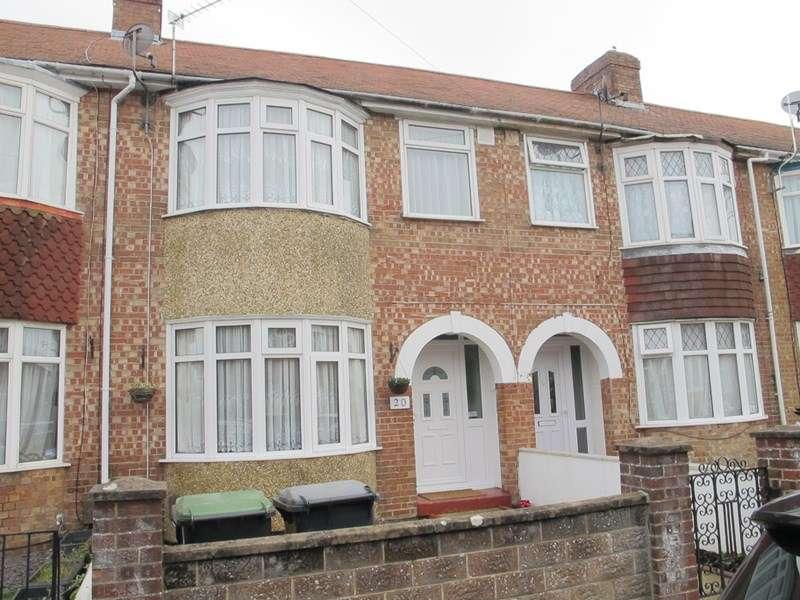3 Bedrooms Terraced House for rent in Bramber Road, Gosport