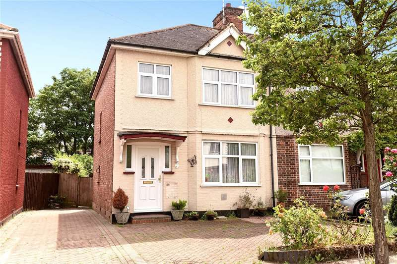 3 Bedrooms Semi Detached House for sale in View Close, Harrow, Middlesex, HA1