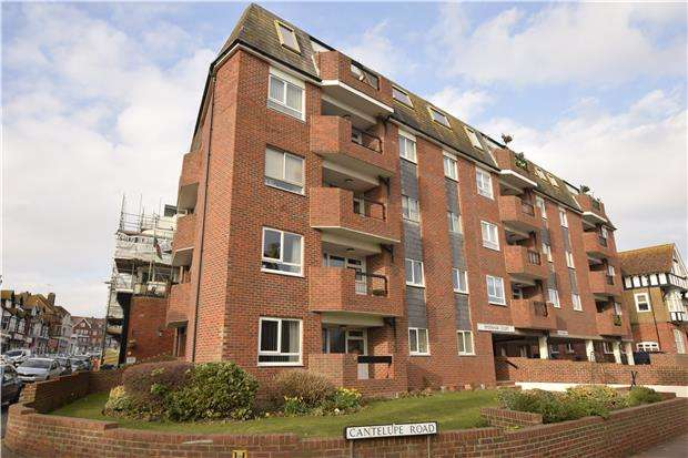 2 Bedrooms Flat for sale in Sydenham Court, BEXHILL-ON-SEA, East Sussex, TN401JQ