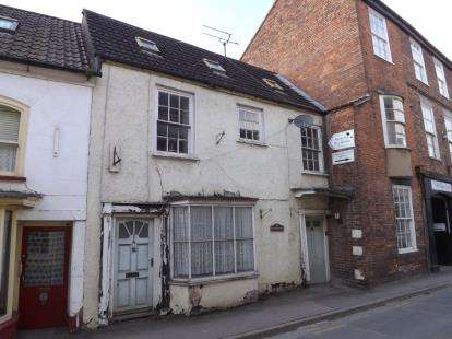 Terraced House for sale in High Street, Berkeley, Gloucestershire