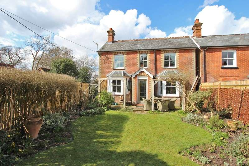 3 Bedrooms Detached House for sale in Waters Green, Brockenhurst