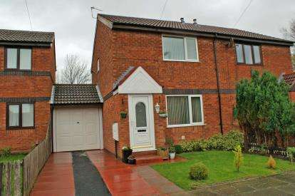 2 Bedrooms Semi Detached House for sale in Hedgecroft, Thornton, Liverpool, L23