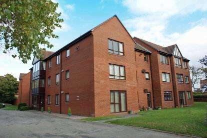 1 Bedroom Flat for sale in Somerford House, Nicholas Road, Blundellsands, Liverpool, L23
