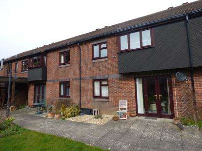 1 Bedroom Flat for sale in 354 Sea Front, Hayling Island, Hampshire