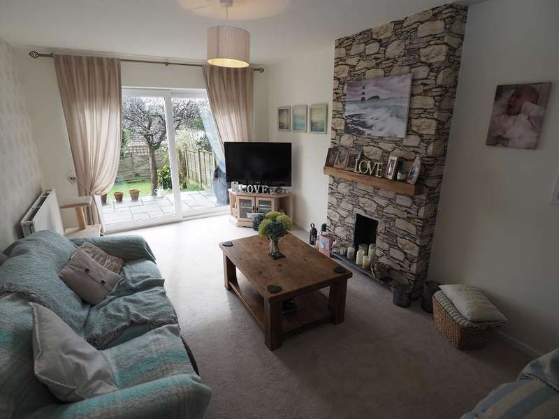 4 Bedrooms Semi Detached House for sale in Knightwake Road, New Mills, High Peak, Derbyshire, SK22 3DQ