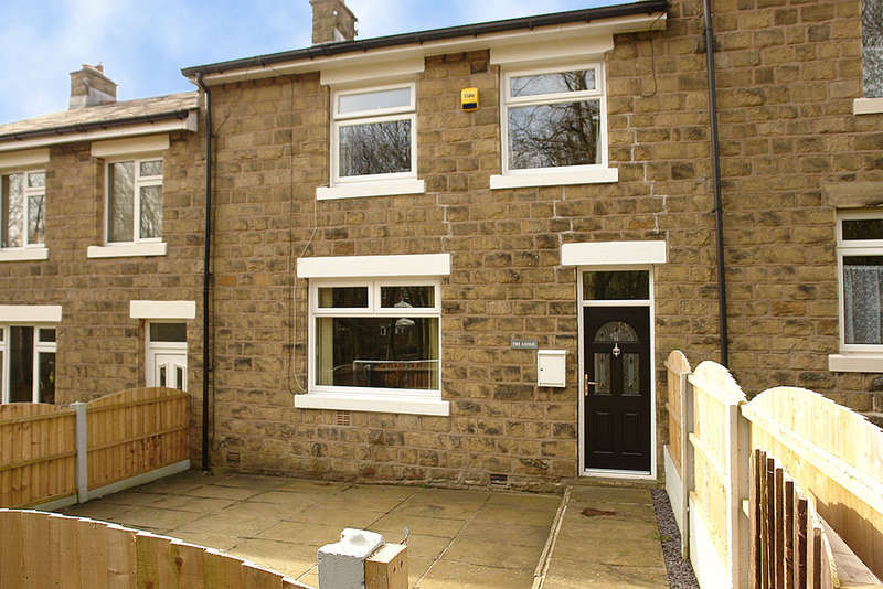 3 Bedrooms Terraced House for sale in Lodge Lane, Delph, Saddleworth