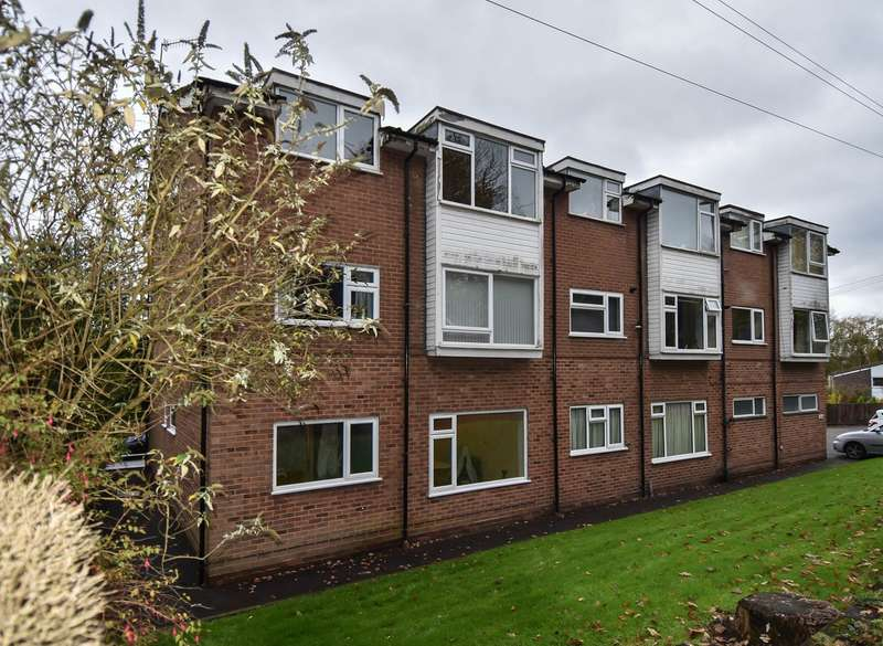 2 Bedrooms Flat for sale in Stourbridge Road, Catshill, Bromsgrove, B61