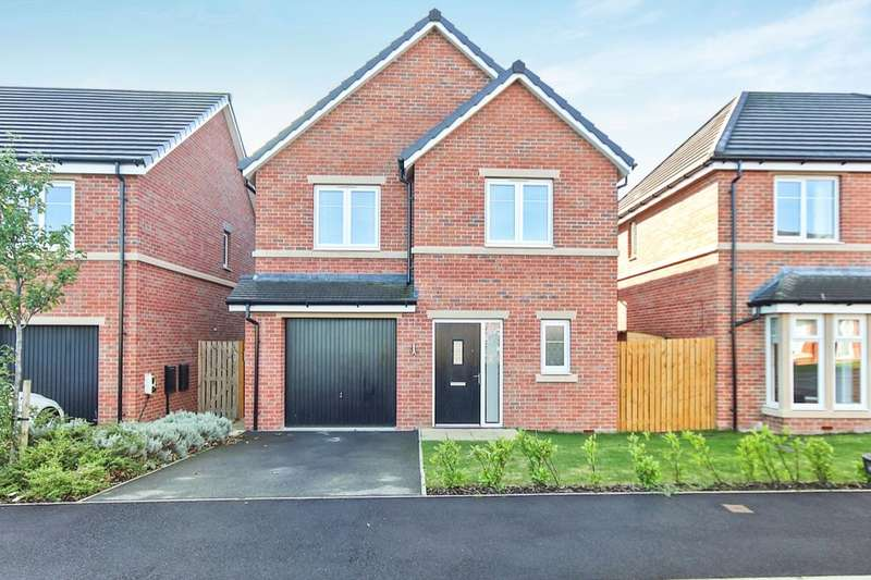 4 Bedrooms Detached House for sale in Mayfair Mount, Crossgates, Leeds, LS15