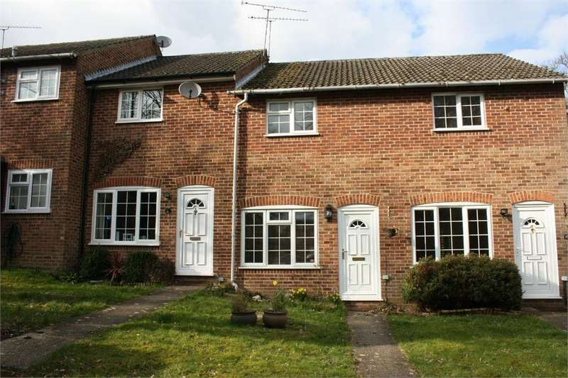 2 Bedrooms Terraced House for sale in St Benedicts Close, Aldershot, Hampshire