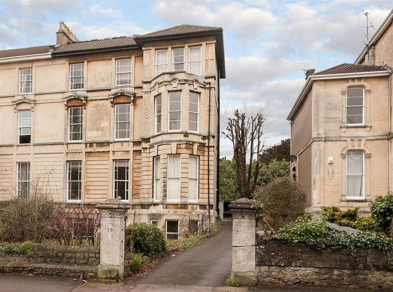 3 Bedrooms Apartment Flat for sale in Apsley Road, Clifton, Bristol